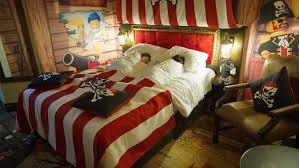 Pirate Themed Bedroom Pirate Rooms Legoland Windsor Resort