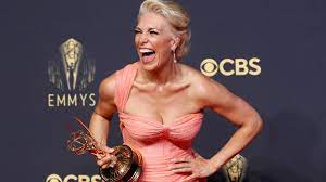 The 73rd emmy awards, hosted by cedric the entertainer, are airing live on cbs. Z8uqgfj4wt1vfm