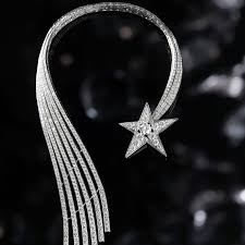 chanel 1932. chanel 1932 comète diamond necklace