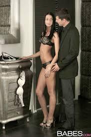 Shaved Leyla Peachbloom Wearing Platform High Heels Enjoying Anal.