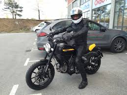 my full throttle arrived yesterday ducati scrambler forum