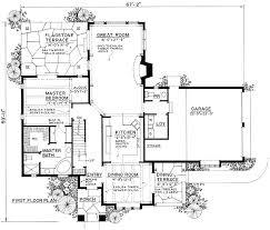 English Cottage   PF   st Floor Master Suite  Corner Lot    Floor Plan
