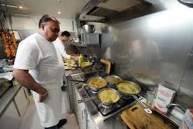 Affluence Pour Le Retour Du Food Truck Le Rajasthan à Nevers Après