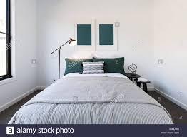 Dunkelgrün Und Weiß Luxus Schlafzimmer Stockfoto Bild 174752732
