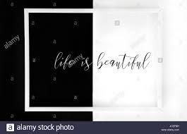 La Vie Est Belle Encadrée Poster Minimaliste Citations
