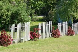 Corner Lot Fence Design Fence Line Landscaping Ideas For Creative Homeowners