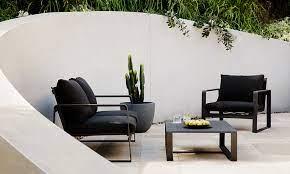 choosing outdoor furniture expert