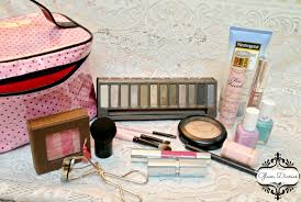 what s in my travel makeup back