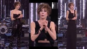 Parlami d'amore, Veronica Pivetti sorprende con il look total black