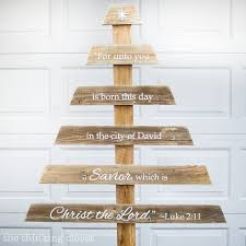 painted pallet christmas tree. diy rustic pallet christmas tree | a do-able step-by-step tutorial painted e