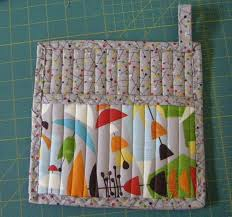 Best 25+ Quilted potholders ideas on Pinterest | Quilting ... & Gift Inspiration Day Ten: Folded Pot Holder. Quilted PotholdersPotholder  PatternsCute ... Adamdwight.com