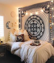 awesome college dorm wall decor for best 25 dorm room walls ideas on