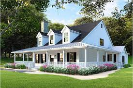 4 bedroom country farmhouse plan with 3