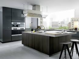 Lackierte Küche aus Holz mit Kücheninsel ARTEX by Varenna by