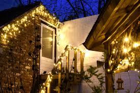 Kerstverlichting Buiten Ophangen En Bevestigen Stappenplan Tips