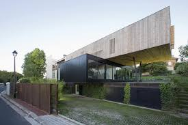 View in gallery cantilevered french house design in wood and glass 2 thumb  630xauto 38259 Contemporary Cantilever House Design