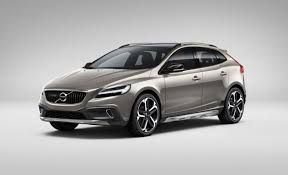 2018 volvo v40. delighful volvo volvov40crosscountry2017 on 2018 volvo v40 car and driver blog