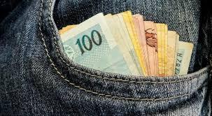 Resultado de imagem para Governo paga 13º para quem ganha até R$ 2 mil, em março