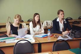 Диплом Вышки как залог профессионального успеха Новости   университета Высшая школа экономики Нижний Новгород заканчивается самое ответственное время пора защиты выпускных дипломных работ