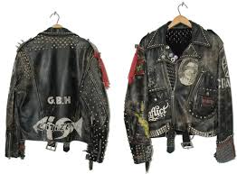whoa that is a ing big jacket i think fit is important i like to wear tight clothes punks who wear leather jackets with big shoulders look dumb