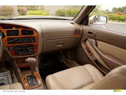 1995 Toyota Camry XLE V6 Sedan Beige Dashboard Photo #82634212 ...
