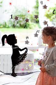Adventskalender Mit Sterntaler Motiv Als Fensterbild