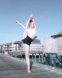 "Ashleigh Ross on Twitter: ""#maldives #dance 💙… """