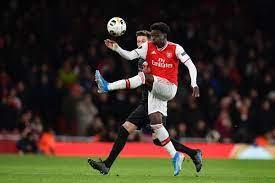 90PLUS | Offiziell - Bukayo Saka verlängert bei Arsenal