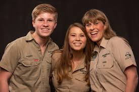 Bindi sue irwin is the champion from season 21 of dancing with the stars. Bindi Irwin Compares Steve Irwin S Death To Losing Part Of Your Heart
