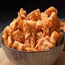 Melalui berbagai macam olahan, salah satunya stik singkong crispy membuat singkong layak dilirik dengan penyajian yang berbeda dan. Resep Kue Bawang Renyah Dan Empuk Bahan Kue Bawang Gaya Stik Keripik Cara Membuat Kue Bawang Sederhana Tanpa Santan Askcaraa