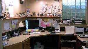 attractive manly office decor 4 office cubicle. New Office Decorating Ideas Decor Design Surprising Free For Beautiful Home Furniture With Desk Prepare. Attractive Manly 4 Cubicle L