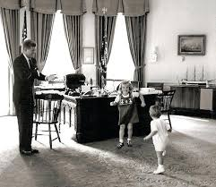 kennedy oval office. Oval Office Desk Kennedy Left Rose And Her Son At The First Awards Ceremony  For H