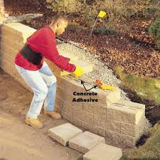 finish retaining wall with special cap blocks