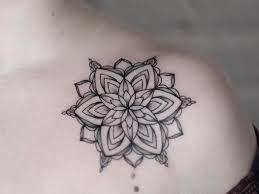 Tatuaggi Mandala Significato Ed Esempi Di Tattoo Uomo E Donna Con Foto