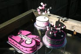 Pink Black And White Sculpted Sweet 16 Triple Cake Lolos Cakes