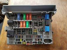 bmw 1 series fuses fuse boxes bmw 1 series e87 118d 120d in car fuse box board 6906607 pre lci