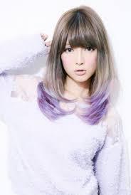メッシュで個性的な髪色を手に入れよヘアカラーカタログmery
