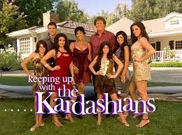 """Koniec programu """"Z kamerą u Kardashianów"""". Kim Kardashian dziękuje fanom,  publikując stary plakat reality show"""