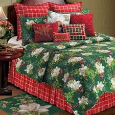 Buy Holiday Bedding Quilts from Bed Bath & Beyond & Bella Magnolia Reversible Full/Queen Quilt in Green/Red/White Adamdwight.com