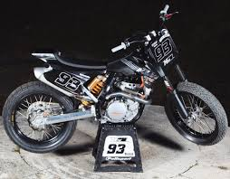 how cool is this ktm sx f 450 modified for flat track tank