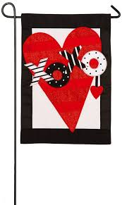 com evergreen valentine s heart applique garden flag 12 5 x 18 inches garden outdoor