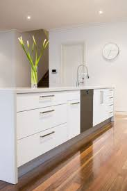 Kitchen Island Modern Best 25 Modern White Kitchens Ideas Only On Pinterest White