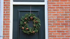 use this trick to hang a wreath without making holes