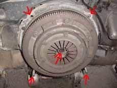 air cooled vw and dune buggy technical articles part 2 the two on top are bolts also there is an input shaft coming out of the middle of the transmission that goes directly through the pressure plate into the