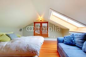Low Ceiling Attic Bedrooms | Foto: Attic bedroom with low ceiling