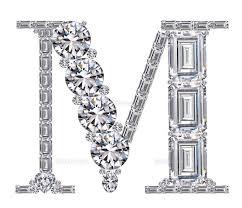 ダイヤモンドで作ったアルファベット 大文字 M25695000845の写真素材