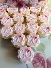 60th Birthday Cupcakes Robs Moms 60th In 2019 60th Birthday