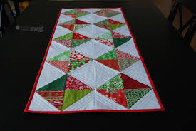 10 FREE Quilt Patterns for Christmas & Classic Diamond Table Runner Adamdwight.com