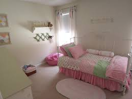 wall decor teenage girl bedroom