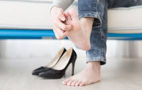 Got Itchy Feet? Common Causes Of Foot Itch And How To Relieve Dry ...